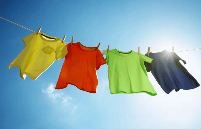 Одежда на солнце