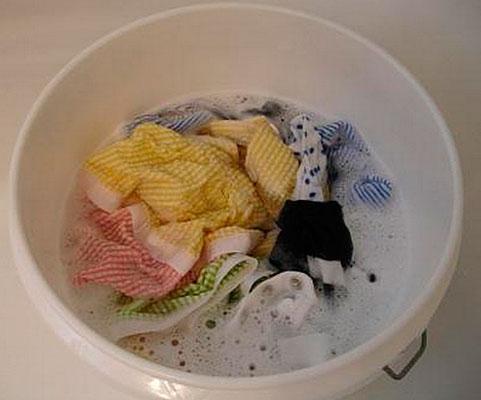 Замачивание грязных кухонных полотенец