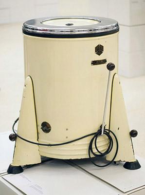 Первая советская стиральная машина