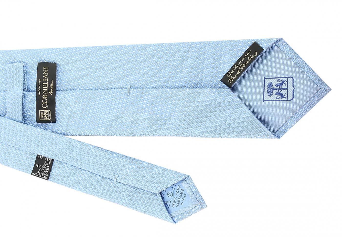 Ярлычок на галстуке