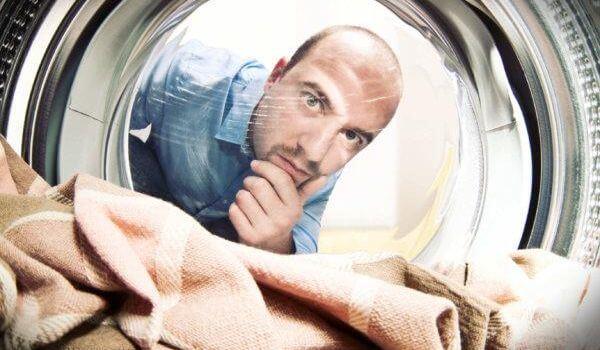 как убрать пену монтажную с одежды