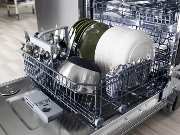 как ставить посуду в посудомоечную машину