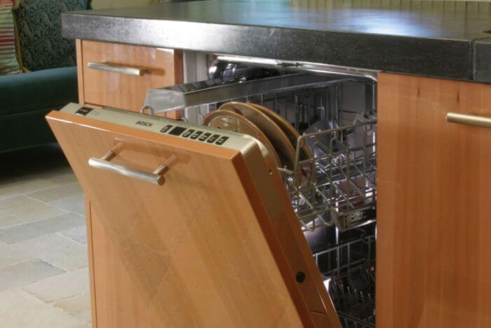 как снять фасад с посудомоечной машины