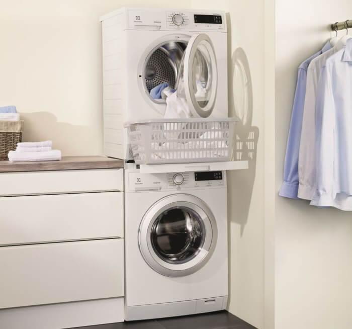 установить сушильную машину на стиральную