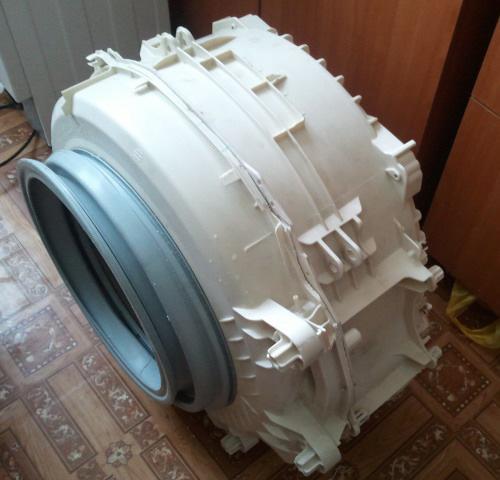 Снятый бак стиральной машинки